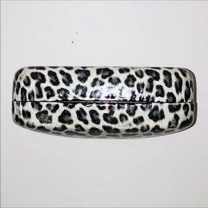 Betsey Johnson Accessories - 🖤 Betsey Johnson